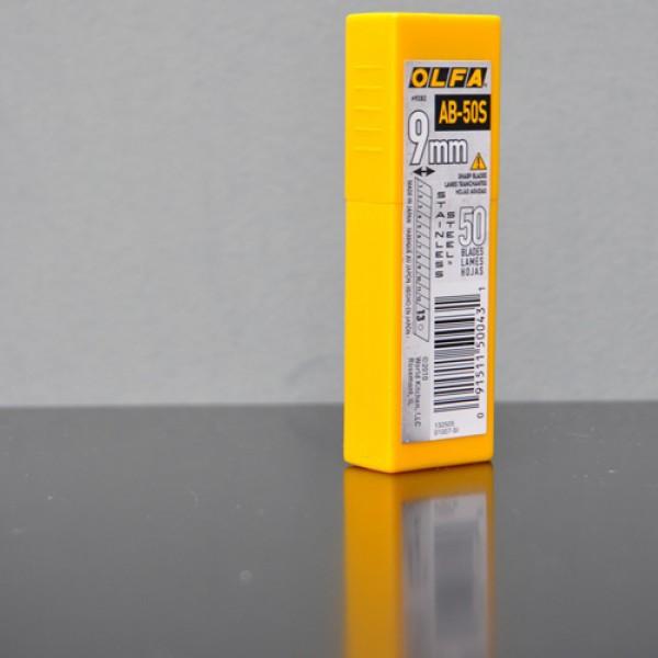 Cuchillas inoxidables de 9 mm (50 Uds.)